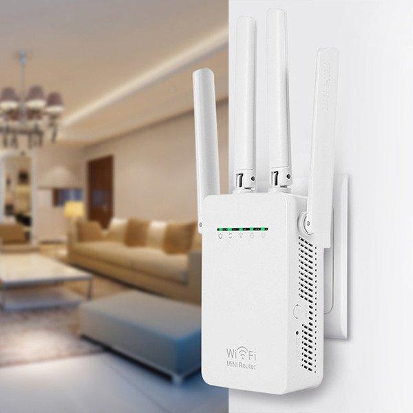 Répéteur ou amplificateur Wi-Fi avec une prise